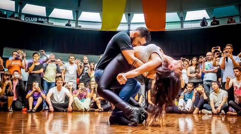 Image of Daniel & Desiree dancing sensual bachata in Spain. Inspiration for bachata classes in medellin