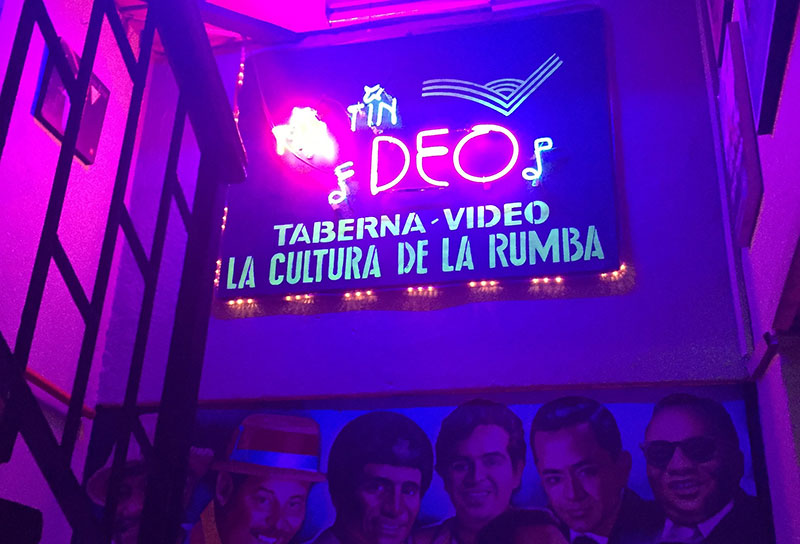 Sign ath the entrance of tin tin deo, classic salsa bar in Cali Colombia.